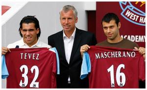 Carlos TEVEZ et Javier MASCHERANO - West Ham with Alan PARDEW