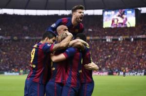 Barcelona campeón Champions 2015. Los jugadores celebran el gol de Rakitic