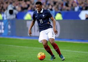 Cómo juega Anthony Martial. En un partido con la selección francesa. (Vía reddevilarmada.com )