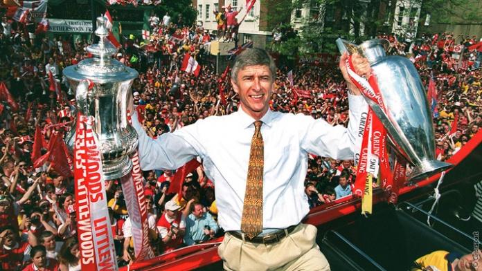 Wenger y sus invencibles.arsenal.com