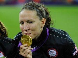 Lauren tras lograr la medalla de Oro en Londres 2012.