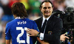 Prandelli puso en manos de Pirlo el juego italiano. mondiali.net Prandelli Valencia