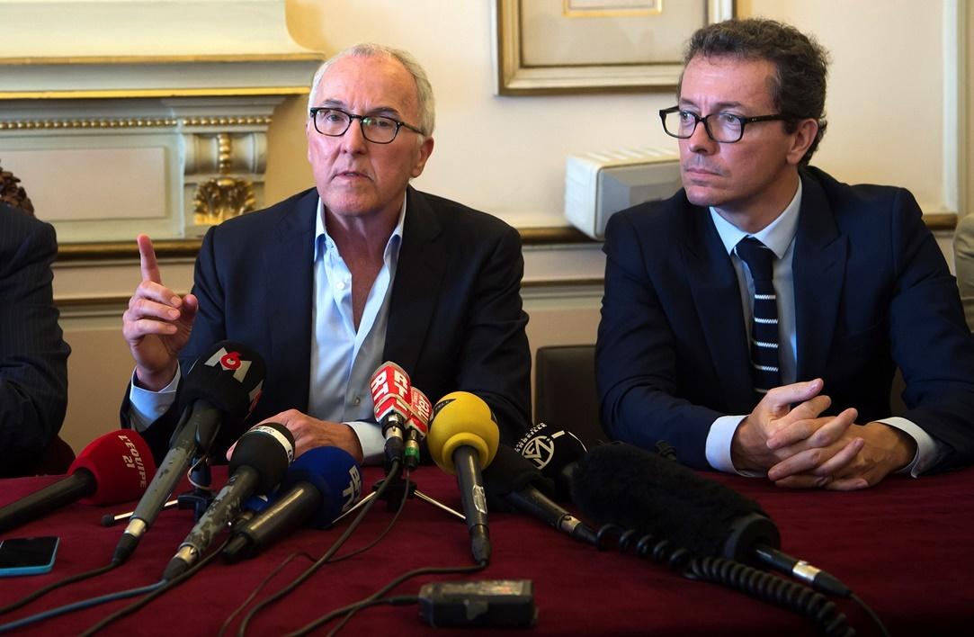 McCourt y Eyraud en la toma de posesión del Marsella. Revolución en Marsella